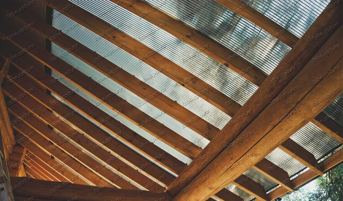 Крыша-на-террасе-из-поликарбоната