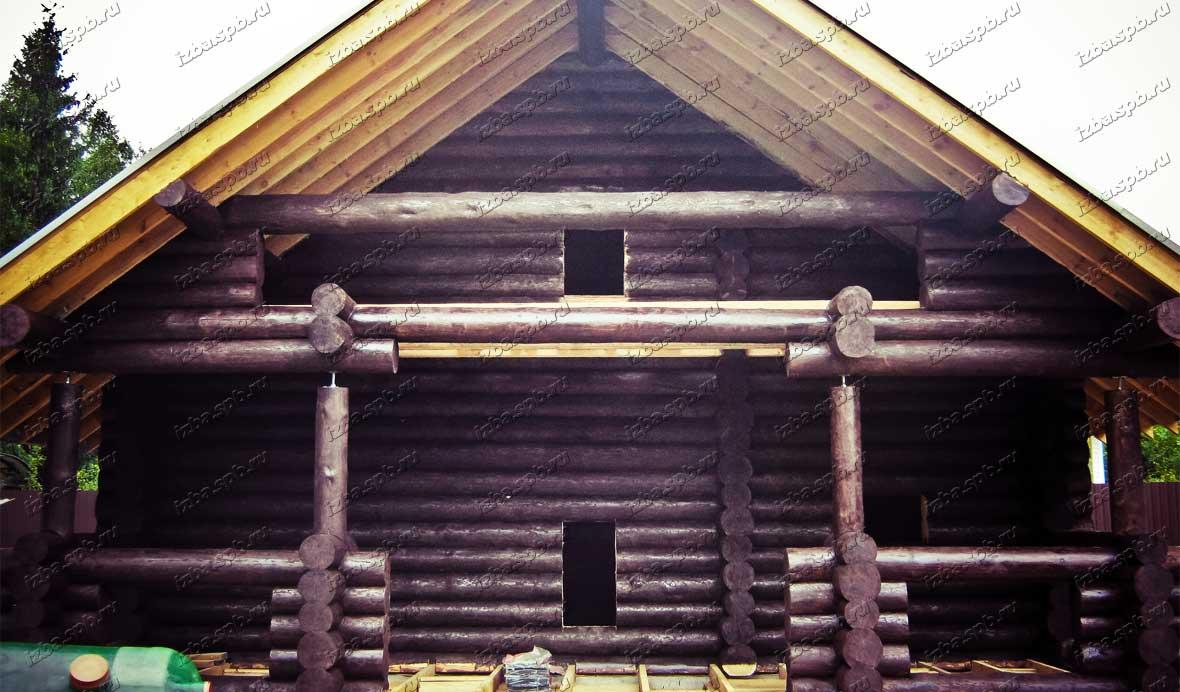 Покраска-бревенчатого-дома-в-Белоострове