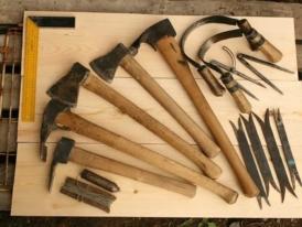 Скобель-и-тесло,-инструменты-плотника