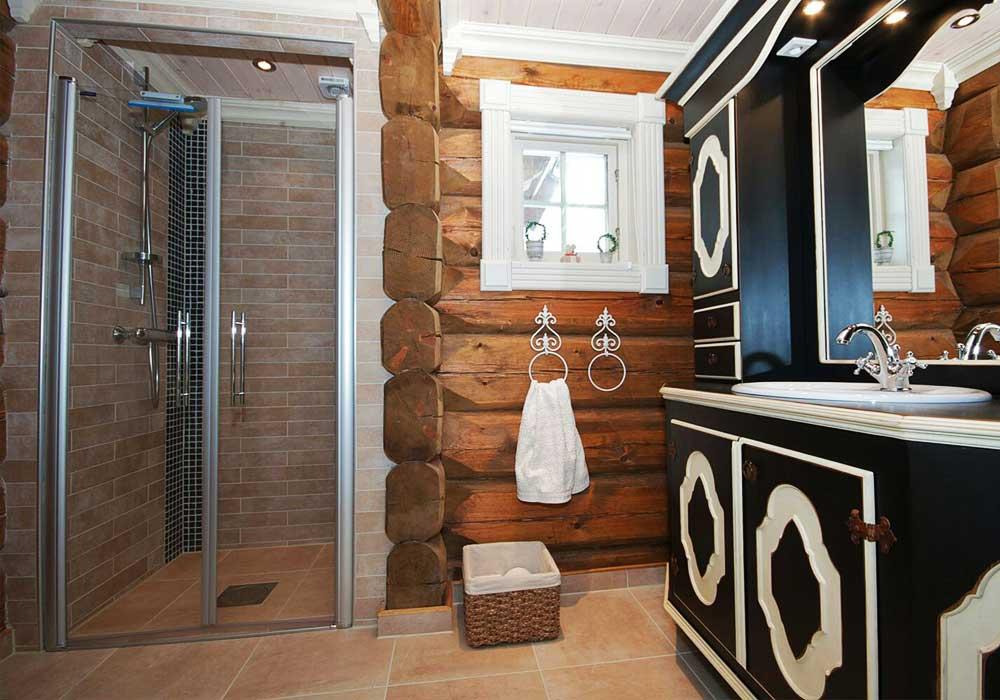 Интерьеры ванной комнаты в деревянном доме