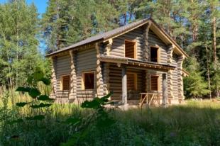 Бревенчатый дом в д. Конново